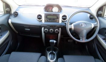 2004 Toyota Ist full
