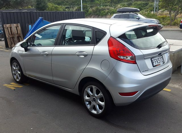 2010 Ford Fiesta full