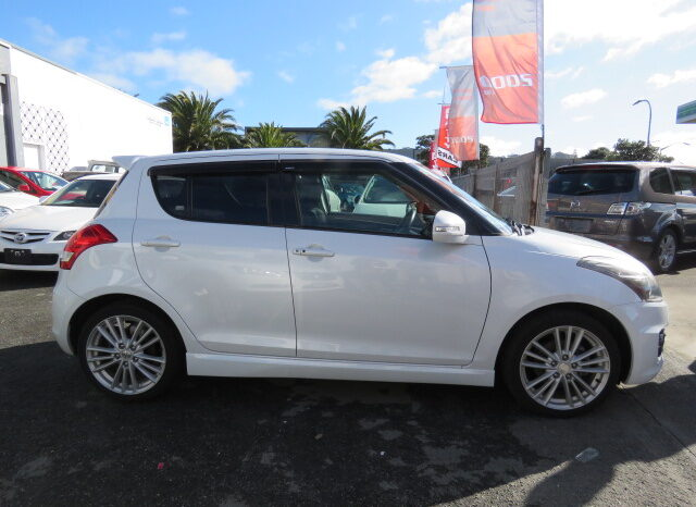 2013 Suzuki Swift Sport full